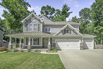 Grand Haven Single Family Home For Sale: 14415 Manor Road