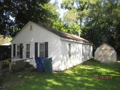 Benton Harbor Single Family Home For Sale: 2141 Laurel Avenue