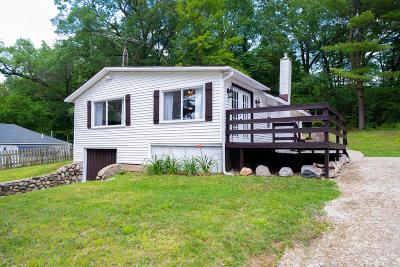 Rockford Single Family Home For Sale: 6636 Echo Avenue NE