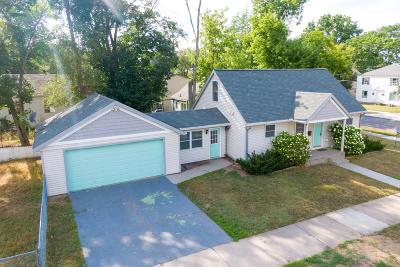 Grand Rapids Single Family Home For Sale: 1701 Martin Avenue SE