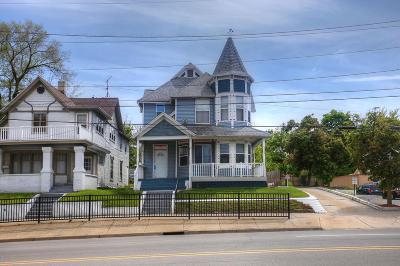 Grand Rapids Multi Family Home For Sale: 522-528 Michigan Street NE