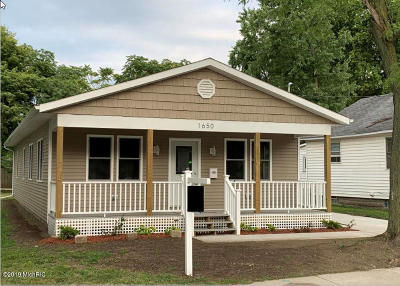 Single Family Home For Sale: 1650 Blandford Avenue SW