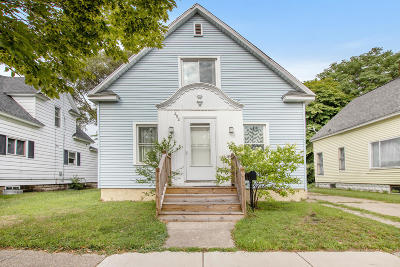 Holland Single Family Home For Sale: 452 Maple Avenue