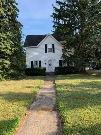 Grand Haven, Spring Lake Single Family Home For Sale: 305 E Savidge Street