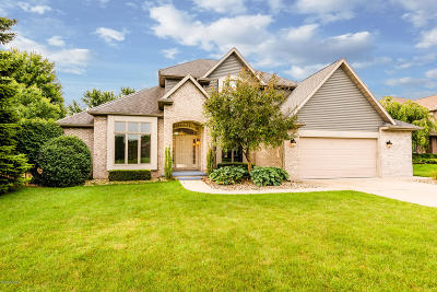 Single Family Home For Sale: 1414 Old Farm Lane