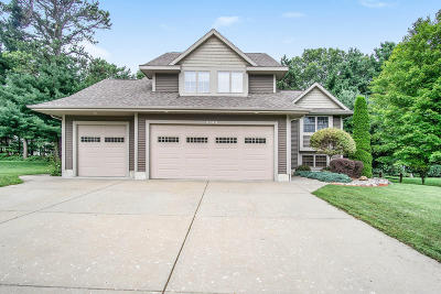 Muskegon Single Family Home For Sale: 3549 Whispering Woods Drive