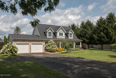 Berrien County, Branch County, Calhoun County, Cass County, Hillsdale County, Jackson County, Kalamazoo County, St. Joseph County, Van Buren County Single Family Home For Sale: 6825 East Rs Avenue
