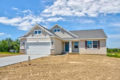 Zeeland Single Family Home For Sale: 2365 Trailside Drive #27