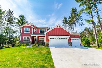 Muskegon Single Family Home For Sale: 2461 Odawa Trail