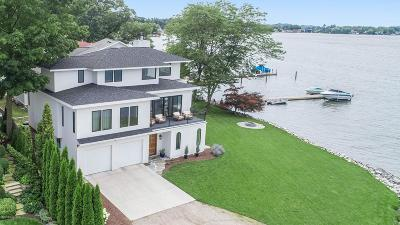 Grand Haven, Spring Lake Single Family Home For Sale: 17405 Lake Beach Drive