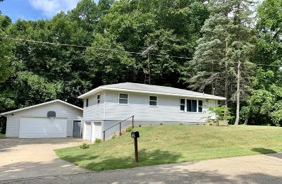 Dowagiac Single Family Home For Sale: 50890 Cable Park Road