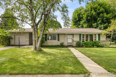 Kent County, Ottawa County Single Family Home For Sale: 201 Woodcrest Drive NW