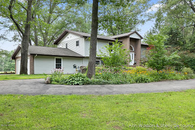 Kent County, Ottawa County, Allegan County Single Family Home For Sale: 12165 Podunk Road NE