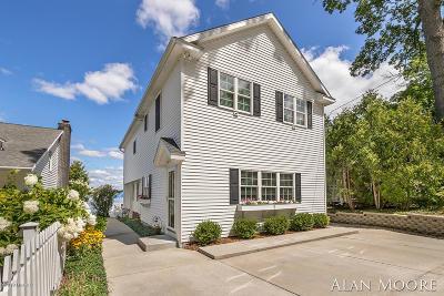 Rockford Single Family Home For Sale: 6812 Kitson Drive NE
