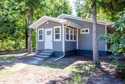 Union Pier Single Family Home For Sale: 15440 Hillside