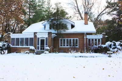 Grand Rapids Single Family Home For Sale: 1840 Lake Drive SE