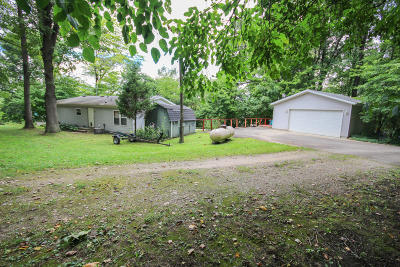 Single Family Home For Sale: 59826 County Line Road