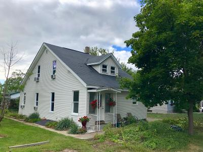 Grand Haven, Spring Lake, Ferrysburg Single Family Home For Sale: 17183 Esther Avenue