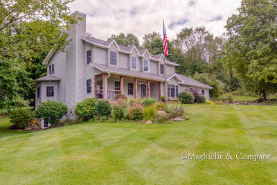 Single Family Home For Sale: 3500 Warwick Glen Drive NE