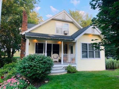 Byron Center Single Family Home For Sale: 10676 Wilson Avenue SW