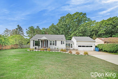 Grand Haven, Spring Lake Single Family Home For Sale: 15750 Mercury Drive