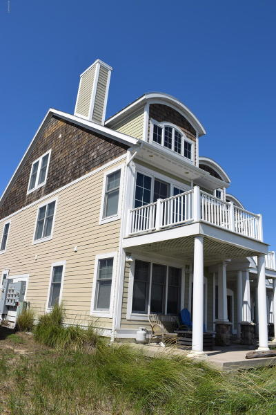 Benzie County, Charlevoix County, Clare County, Emmet County, Grand Traverse County, Kalkaska County, Lake County, Leelanau County, Manistee County, Mason County, Missaukee County, Osceola County, Roscommon County, Wexford County Condo/Townhouse For Sale: 153 Joslin Cove Drive