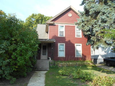 Clinton County, Gratiot County, Isabella County, Kent County, Mecosta County, Montcalm County, Muskegon County, Newaygo County, Oceana County, Ottawa County, Ionia County, Ingham County, Eaton County, Barry County, Allegan County Multi Family Home For Sale: 541 Coit Avenue NE