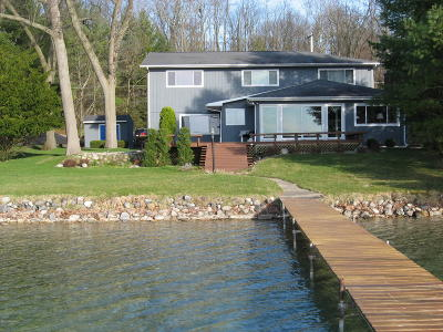 Single Family Home For Sale: 738 E Gull Lake Drive