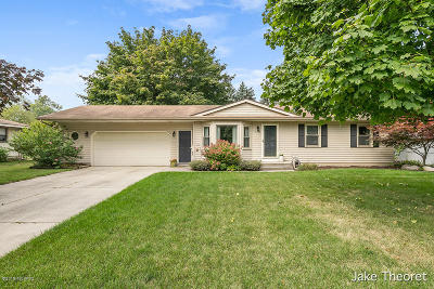Single Family Home For Sale: 6435 Fairway Drive