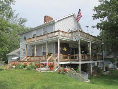 Single Family Home For Sale: 149 Lake Shore