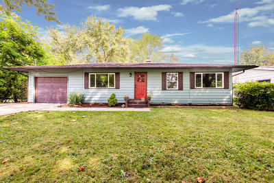Coloma Single Family Home For Sale: 7185 Little Paw Paw Lake Road