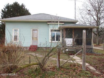 Berrien County, Branch County, Calhoun County, Cass County, Hillsdale County, Jackson County, Kalamazoo County, St. Joseph County, Van Buren County Single Family Home For Auction: 54068 Wilbur Road