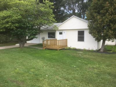 Big Rapids MI Single Family Home For Sale: $144,000