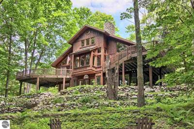 Benzie County Single Family Home For Sale: 11825 Mountain Woods Drive #5
