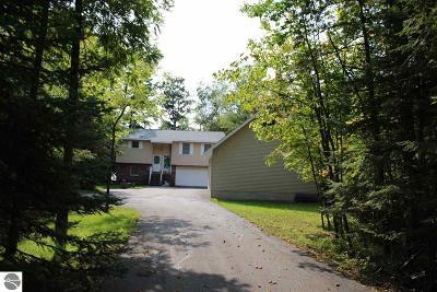 Single Family Home For Sale: 14062 Fairmont Drive