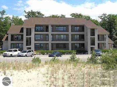 Elk Rapids Condo For Sale: 8935 N Bayshore Drive #20