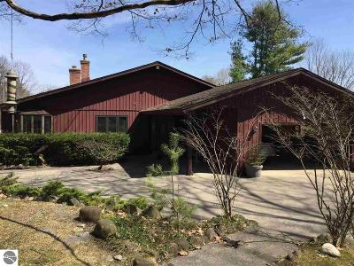 Benzie County Single Family Home For Sale: 6443 Bright Lane