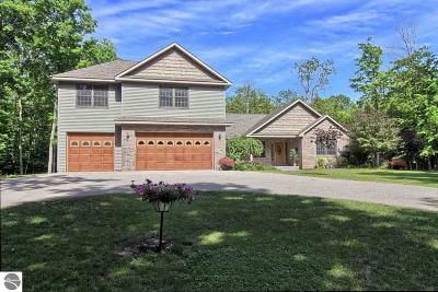 Antrim County Single Family Home For Sale: 977 Aspen Trail