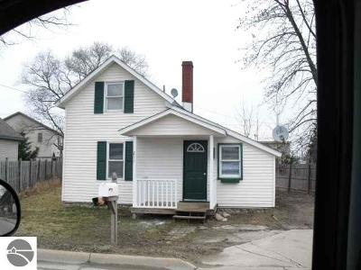 Single Family Home Sold: 211 Ames