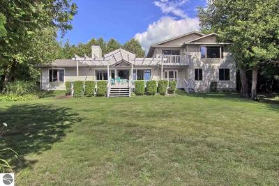 Antrim County Single Family Home For Sale: 9456 Cherry Avenue