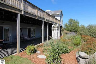 Northport Single Family Home For Sale: 8571 N Manitou Trail