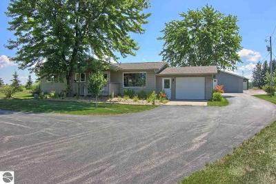 Antrim County Single Family Home For Sale: 9157 Alden Highway