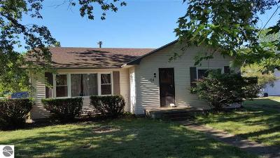 Tawas City Single Family Home For Sale: 120 W First Street