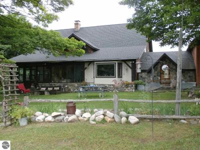 Antrim County Single Family Home For Sale: 6891 S Dennis Road