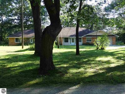 Oscoda Single Family Home For Sale: 5756 Van Ettan Creek Drive