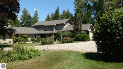 Antrim County Single Family Home For Sale: 10012 Schweitzer Lane