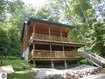 Traverse City Single Family Home For Sale: 5889 Cedar Valley Road
