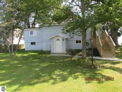 East Tawas Single Family Home For Sale: 1228 N Us-23