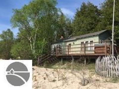 Leelanau County Single Family Home For Sale: 8951 N Gills Pier Road