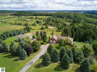 Leelanau County Single Family Home For Sale: 5455 S French Road